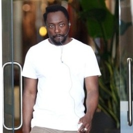 will.i.am outside the hotel in Sydney